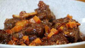 Ragout de ternera en salsa al vito tinto angel manzano chef